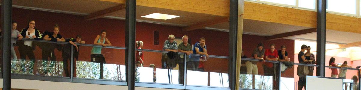 Zuschauertribüne Sporthalle Stammheim